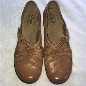 Women's Clarks Bendables shoes size 11.